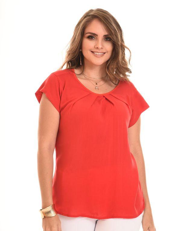 Mujer-con-Blusa-color-Rojo-y-Jean
