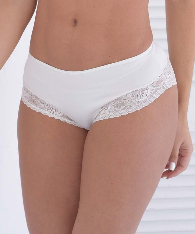 Mujer-con-Panty-color-Marfil