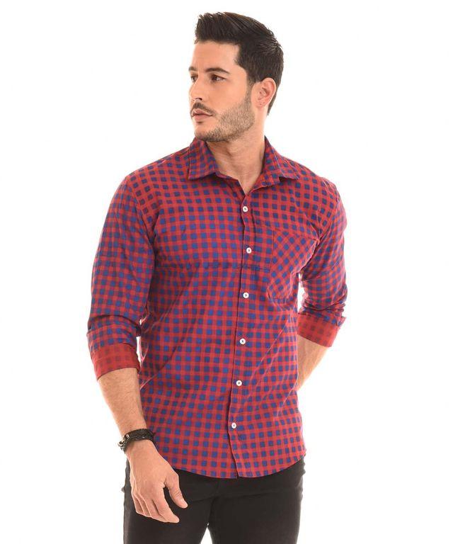 Hombre-con-Camisa-color-Cuadros-y-Jean