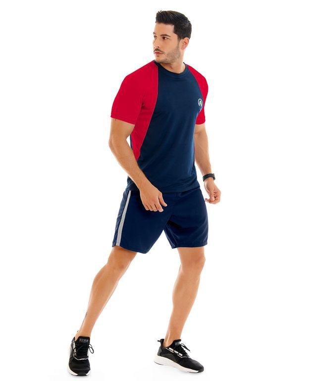 Hombre-con-Camiseta-color-Azul-y-pantaloneta-