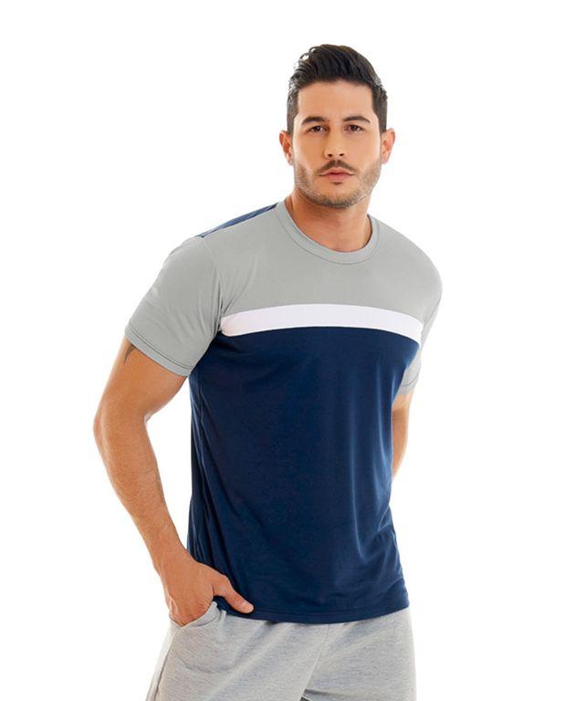 Hombre-con-Camiseta-color-Azul-y-pantaloneta